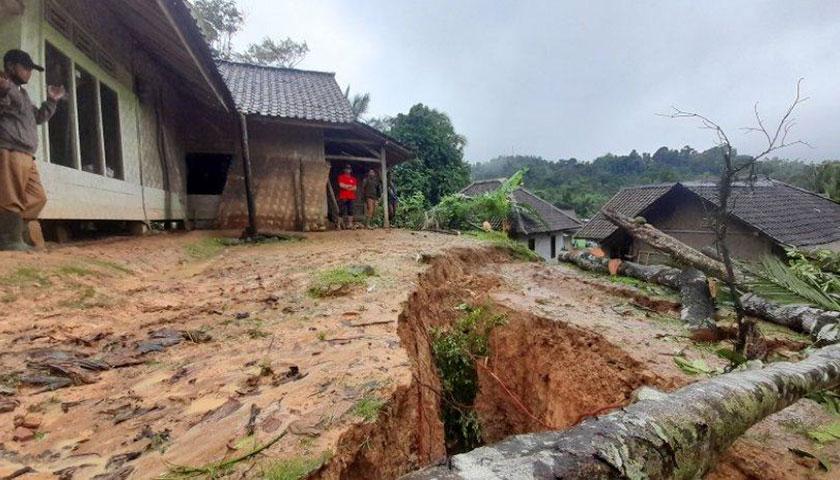 Korban Bencana Pergerakan Tanah Cirinten Akan Segera Dapat Bantuan